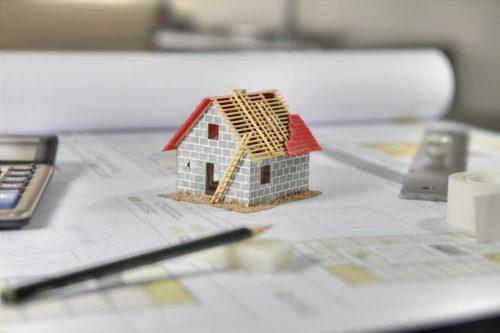 Nhà chưa hoàn công có được mua bán và có rủi ro khi mua không ?